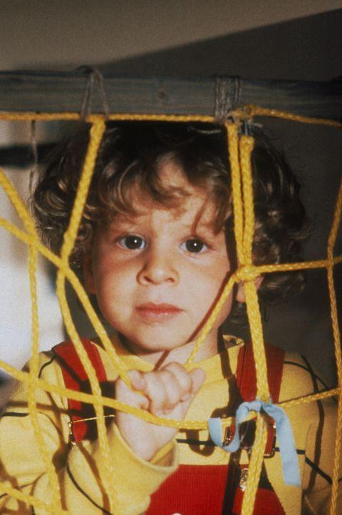 Noch ist Adam (Daniel Shalikar/Joshua Shalikar) ein süßes zweijähriges Baby ... - Bildquelle: Walt Disney
