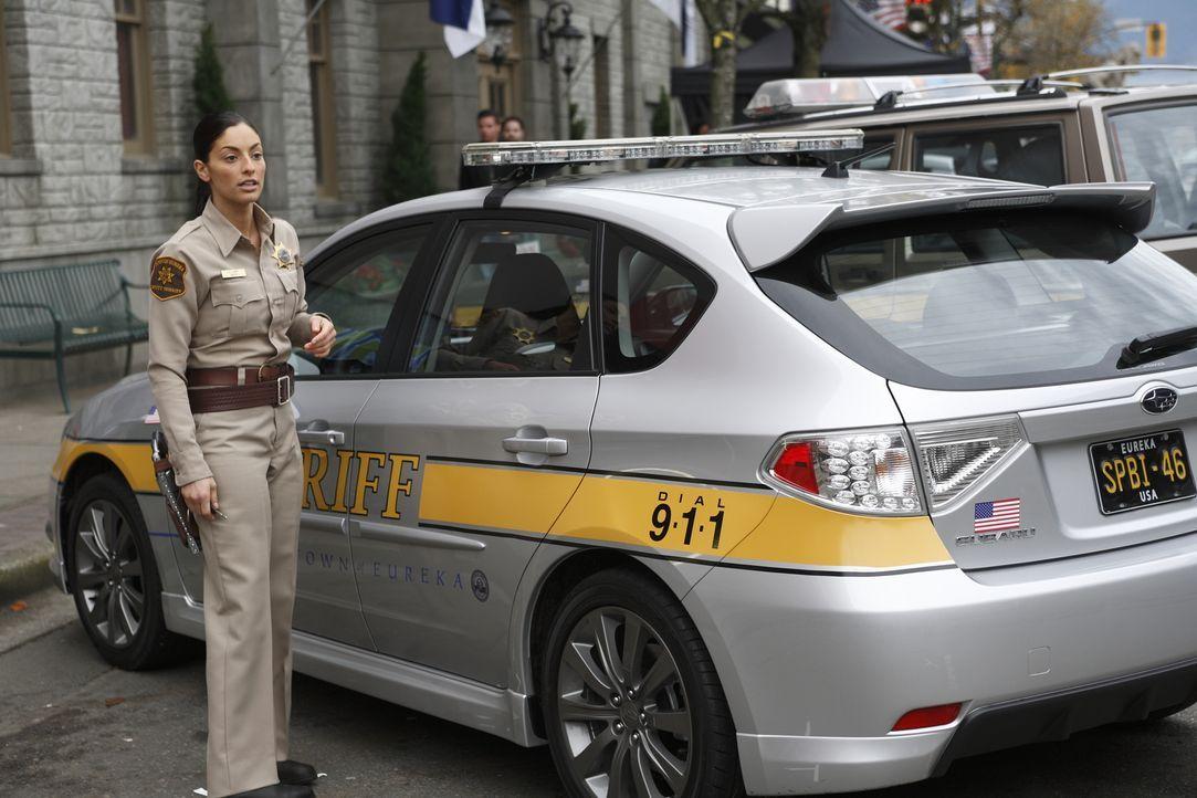 Immer im Einsatz, um die Bewohner von Eureka zu schützen: Deputy Jo Lupo (Erica Cerra) ... - Bildquelle: Universal Television