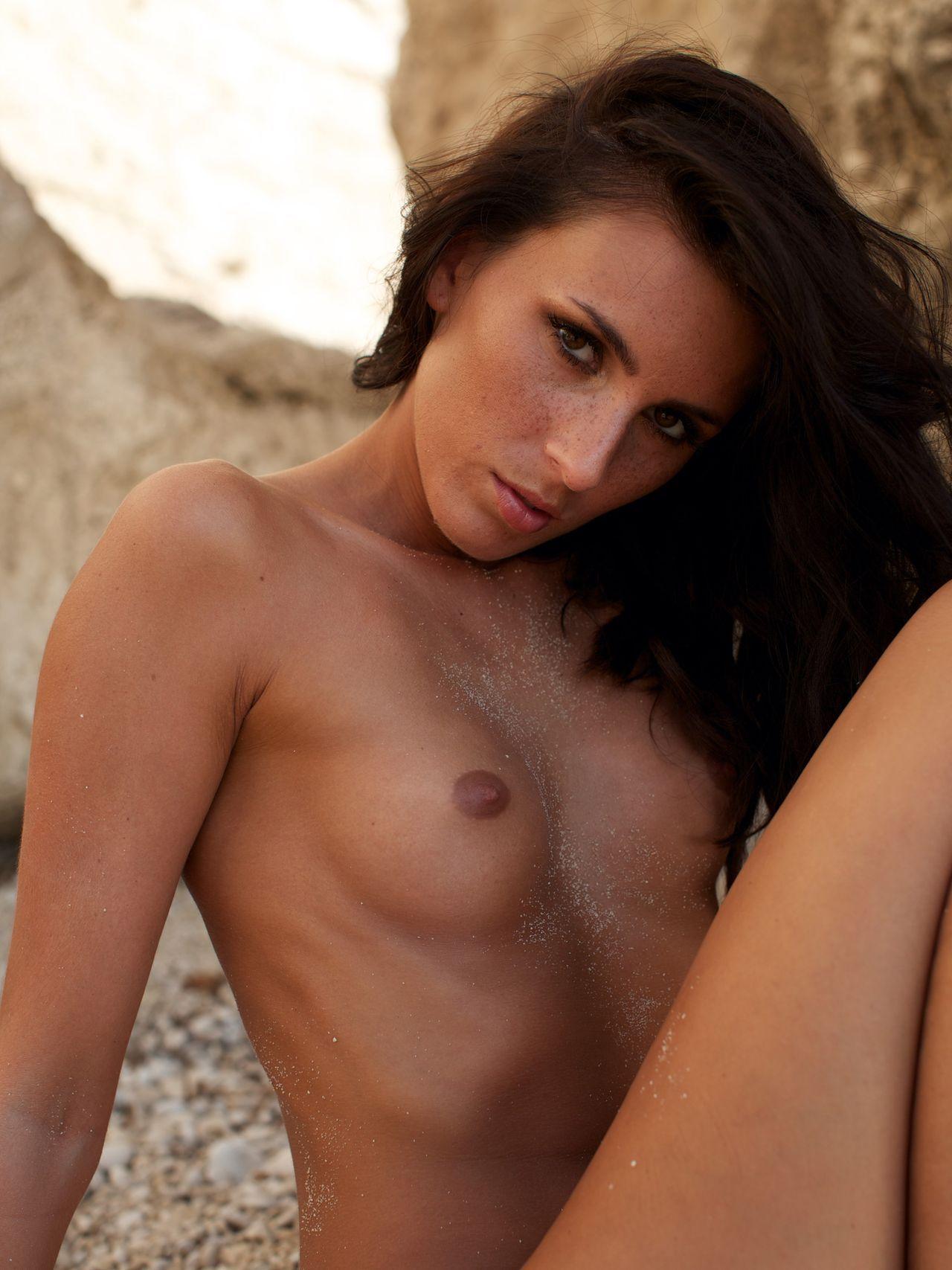Janina youssefian nackt im playboy
