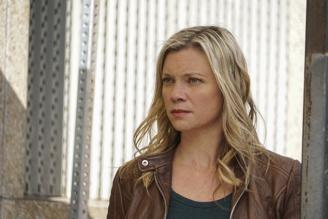 Dawn (Amy Smart) glaubt nicht an einen Unfall, sondern vermutet einen Mordanschlag auf ihren CIA-Chef ... - Bildquelle: Annette Brown CBS © 2018 CBS Broadcasting, Inc. All Rights Reserved. / Annette Brown