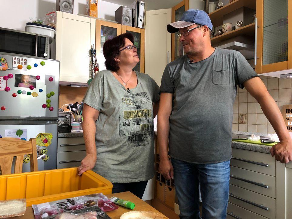 Sandra und Manfred ergänzen sich perfekt, aber bleibt das auch so, wenn es um Sushi und Hähnchenkeule geht? - Bildquelle: kabel eins