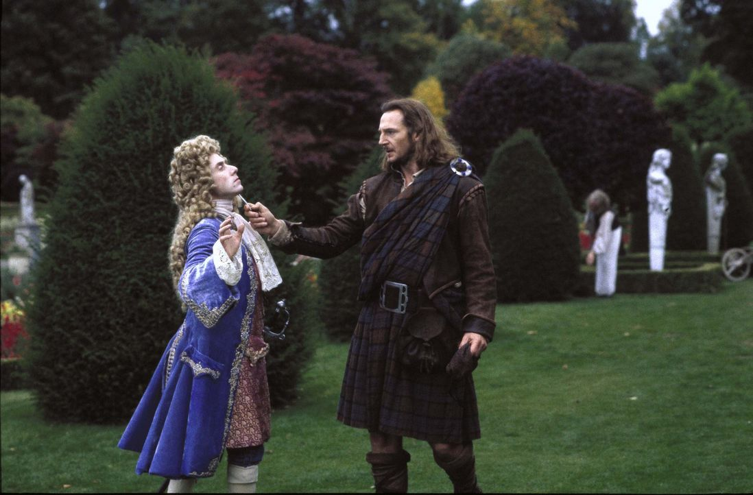 Ein Kampf um Leben und Tod Cunningham (Tim Roth, l.) und Highlander Rob Roy (Liam Neeson, r.) ... - Bildquelle: MGM Home Entertainment