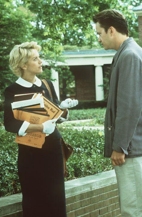Die hochintelligente Catherine (Meg Ryan, l.) steht dem Automechaniker Ed (Tim Robbins, r.) anfangs sehr skeptisch gegenüber ... - Bildquelle: Paramount Pictures