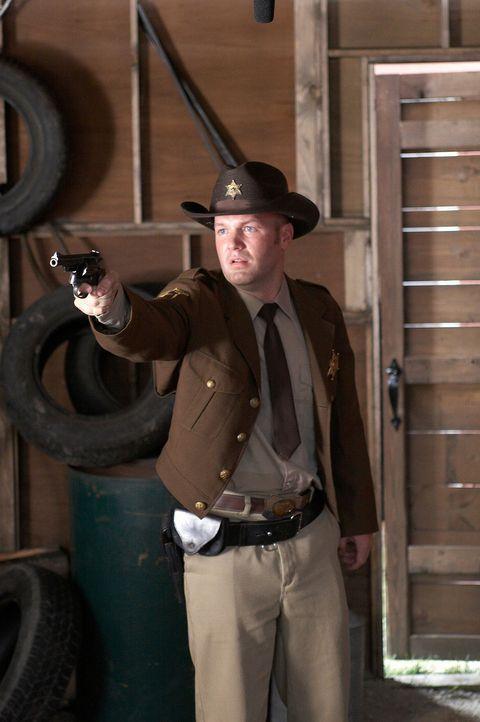 Erst spät erkennt Steve, dass der Polizist Bobby Caine (Fred Durst) kein wahrer Freund und Helfer ist ... - Bildquelle: Sony 2007 CPT Holdings, Inc.  All Rights Reserved