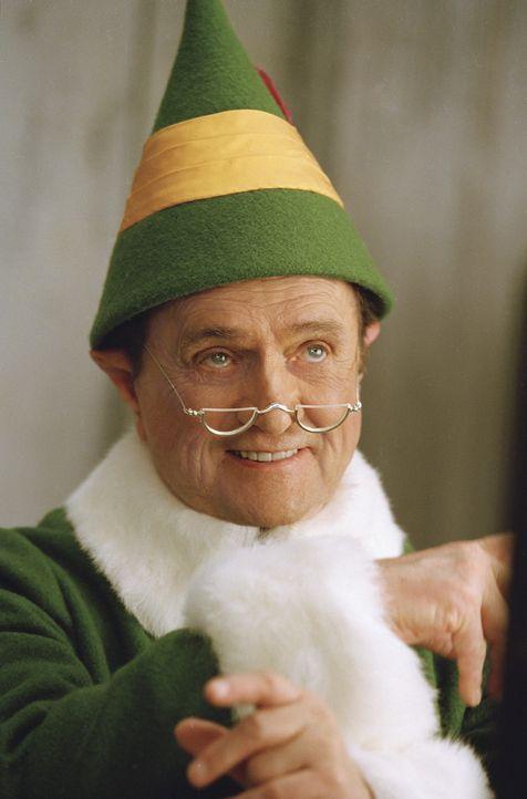 Macht aus Buddy ein Elfenkind: Papa Elf (Bob Newhart) ... - Bildquelle: Warner Bros. Television
