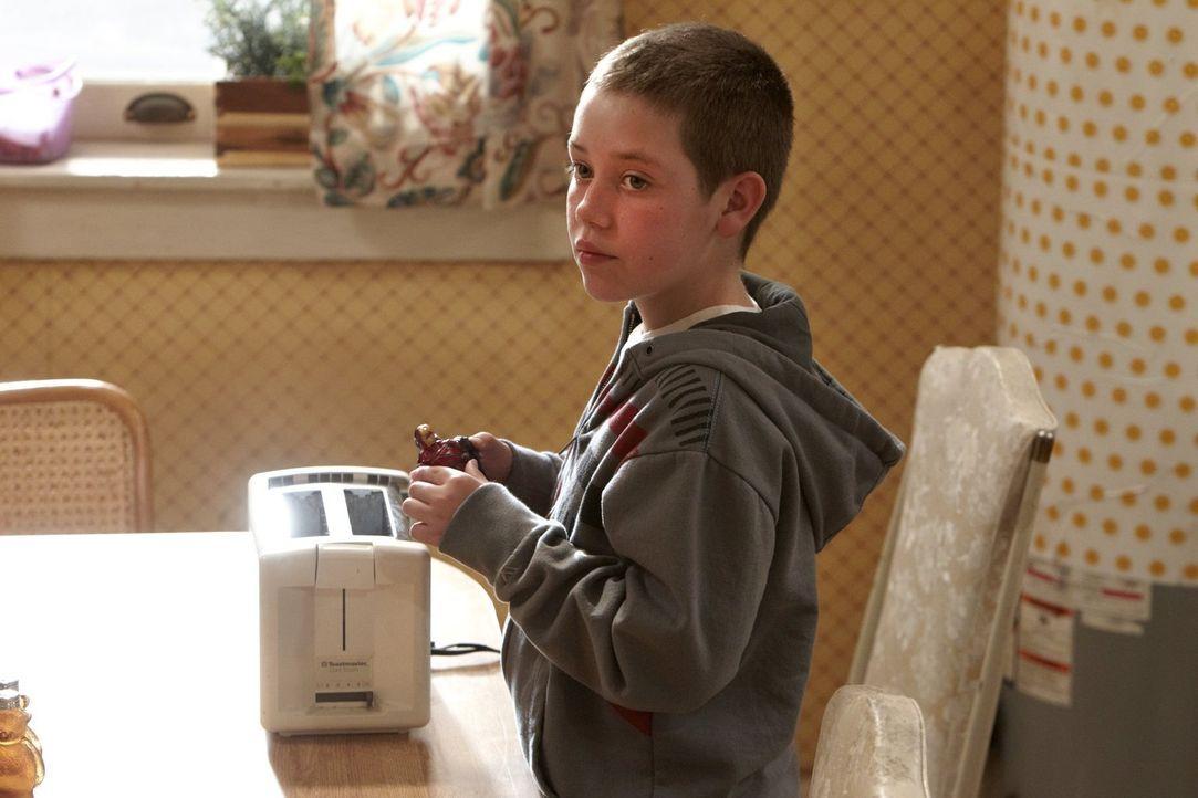 Langsam entwickelt sich Carls (Ethan Cutkosky) seltsame Gewaltfantasie zu einem echten Problem ... - Bildquelle: 2010 Warner Brothers