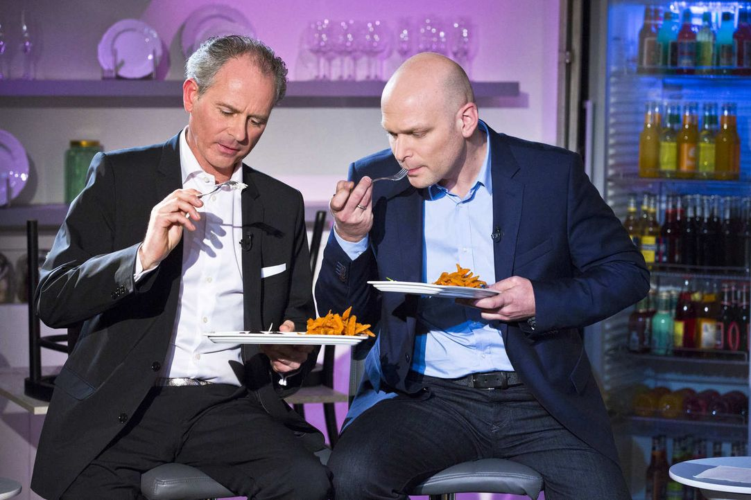 In welche Geschäftsideen werden Carsten Gerlach (l.) und Torsten Petersen (r.) investieren? - Bildquelle: Richard Hübner kabel eins