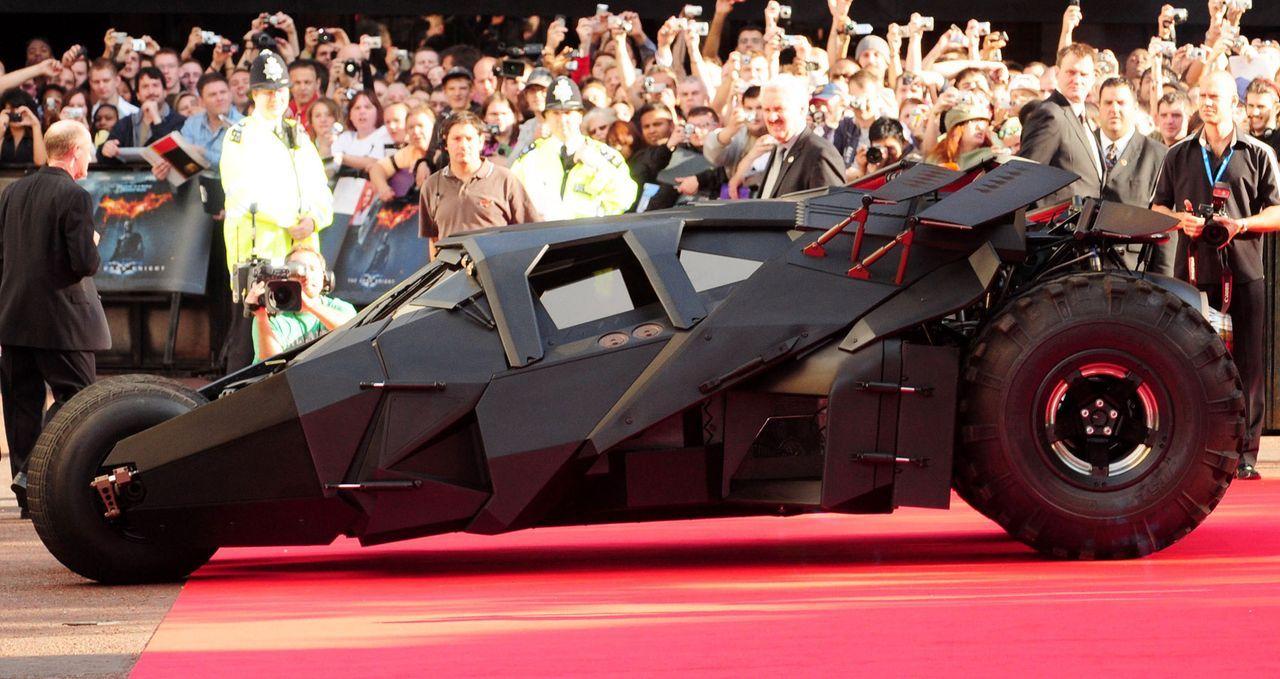 Batmobil-The-Dark-Knight-WENN-com - Bildquelle: WENN.com