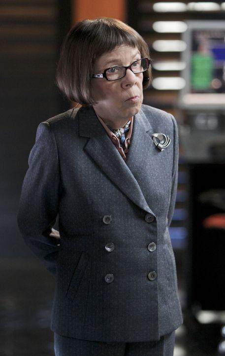 Macht sich große Sorgen um ihr Team: Hetty (Linda Hunt) ... - Bildquelle: CBS Studios Inc. All Rights Reserved.