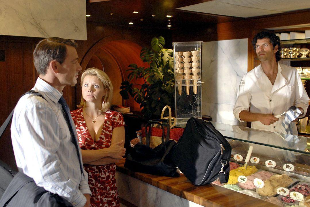 Plötzlich steht Tom in der Eisdiele, entschlossen, Lissy und ihre Karriere in Hamburg zu retten... v.l.n.r.: Tom (Jan Sosniok), Lissy (Annette Frie... - Bildquelle: Hardy Brackmann Sat.1