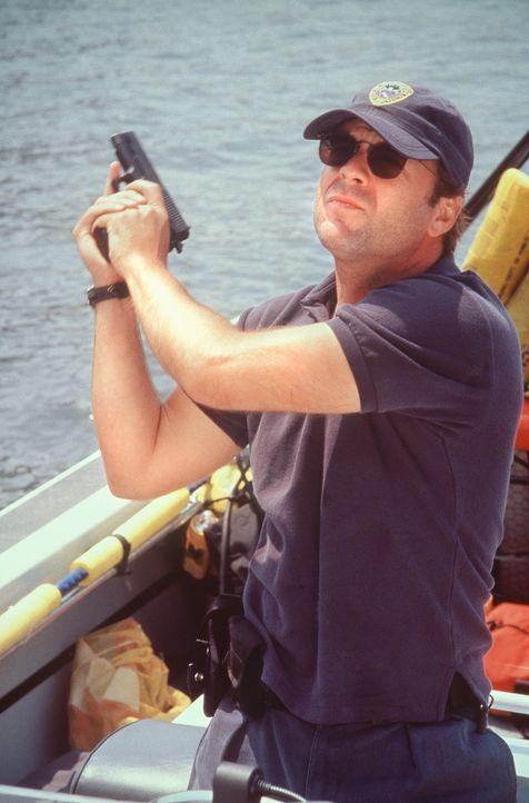 Immer näher kommt Tom Hardy (Bruce Willis) dem pathologischen Killer. Doch die Spur führt ihn auch in seine eigene Vergangenheit ... - Bildquelle: Columbia Pictures