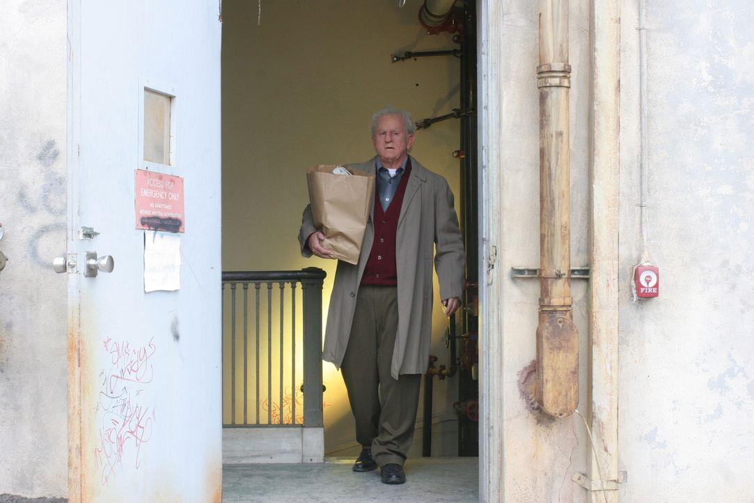 Der 71 Jahre alte Versicherungsprüfer John Michaels (Anthony LaPaglia)  ist spurlos verschwunden ... - Bildquelle: Warner Bros. Entertainment Inc.
