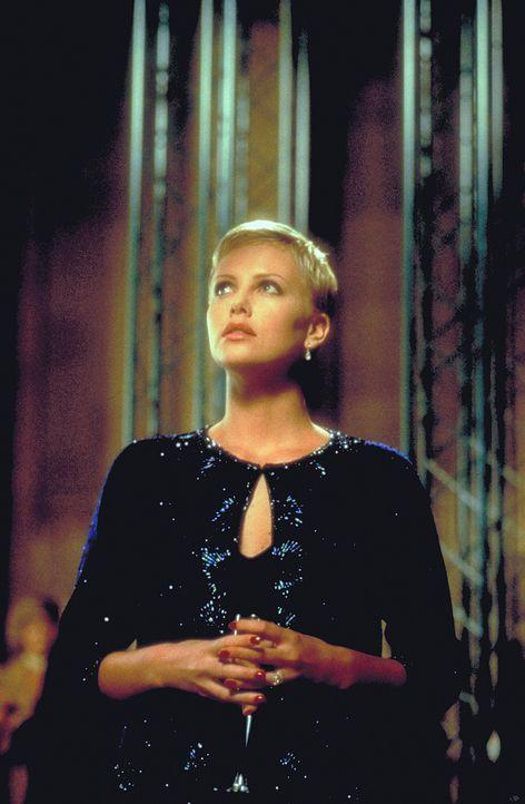 Während ihrer Schwangerschaft wird Jillian (Charlize Theron) immer mehr von wahnwitzigen Albträumen heimgesucht. Da erhält sie grauenvolle Inform... - Bildquelle: 1999 New Line Productions, Inc. All Rights Reserved.