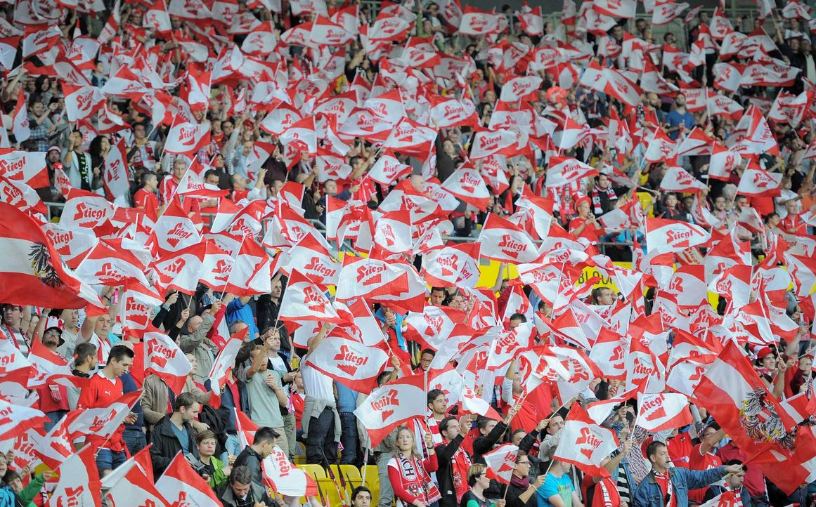 Fußball-Fan-Oesterreich-141012-AFP - Bildquelle: AFP