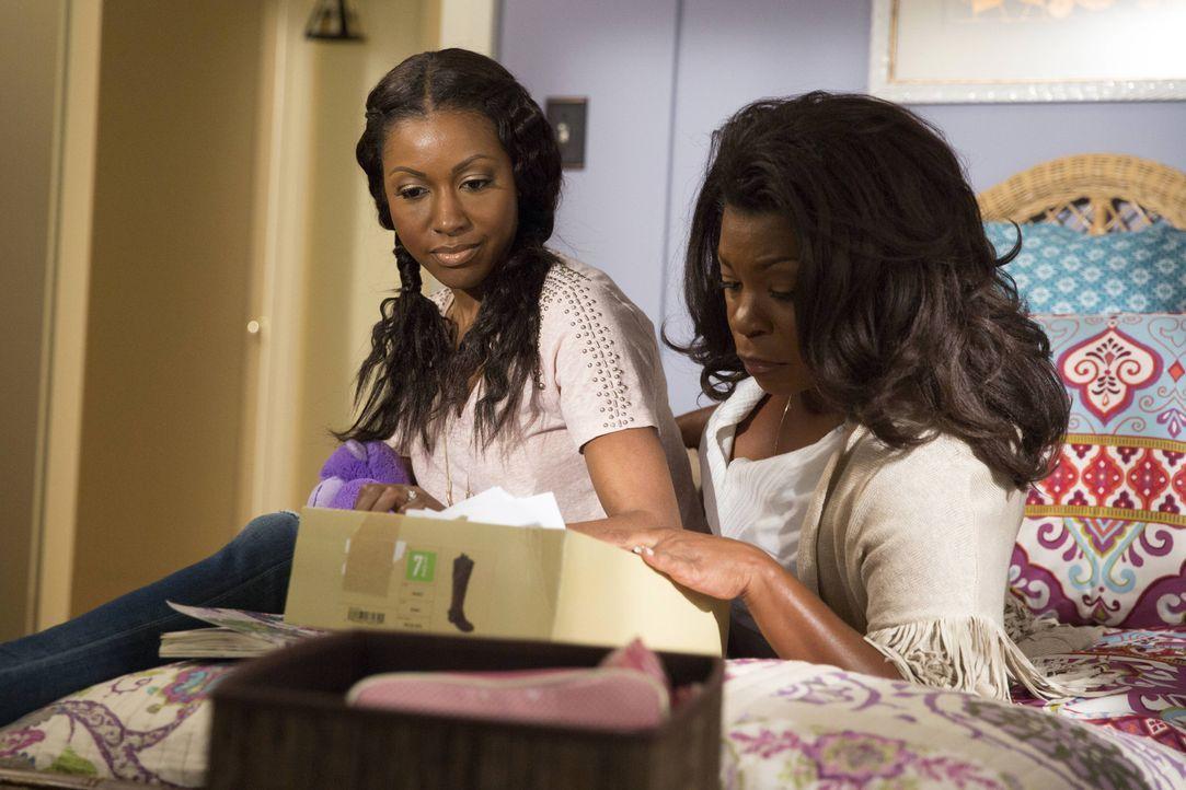 Als Donna (Lorraine Toussaint, r.) und Pippy (Gabrielle Dennis, l.) in der Vergangenheit kramen, kommen Erinnerungen hoch, die ihnen beiden sehr zus... - Bildquelle: 2015-2016 Fox and its related entities.  All rights reserved.