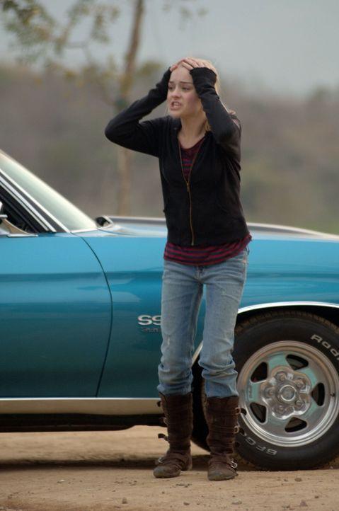 Mit Schrecken muss Abby (Jordan Hinson) erkennen, dass die Goodes nicht so sind, wie es auf den ersten Blick scheint. Ihr Traum von Liebe und Geborg... - Bildquelle: Sony Pictures Television International. All Rights Reserved.
