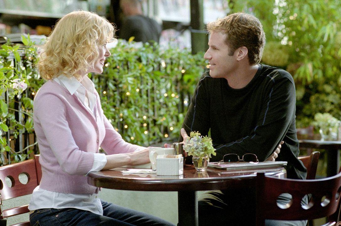 """Um seine Karriere als Schauspieler irgendwie aufrecht halten zu können, nimmt Jack (Will Ferell, r.) die männliche Hauptrolle in der TV-Serie """"Verli... - Bildquelle: 2005 Columbia Pictures Industries, Inc. All Rights Reserved."""