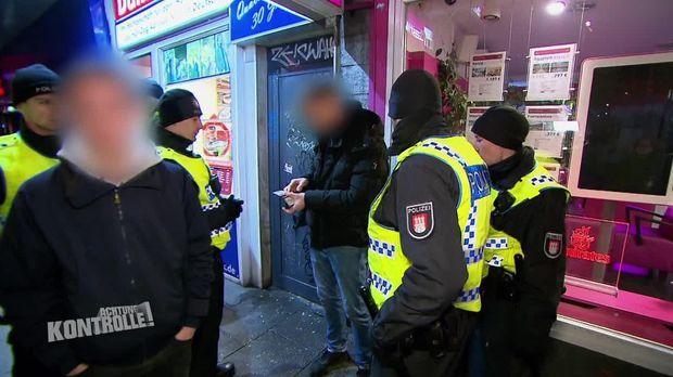 Achtung Kontrolle - Achtung Kontrolle! - Thema U.a.: Drogen Und Auseinandersetzungen - Bereitschaftspolizei Hamburg
