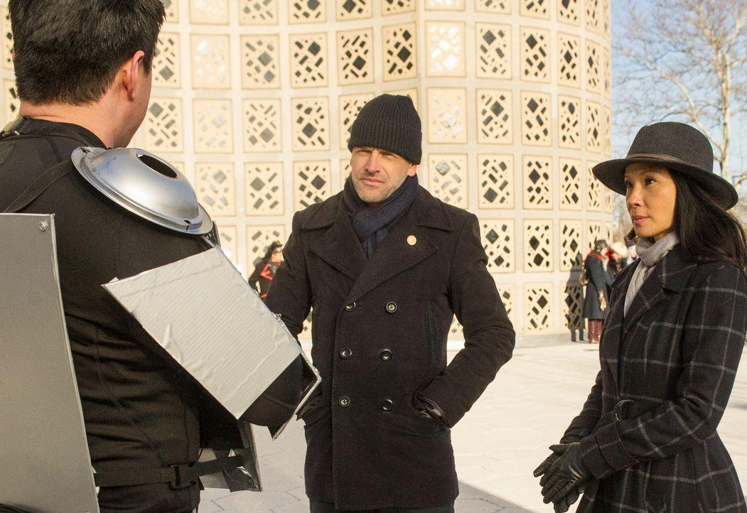 (v.l.n.r.) Sherlock Holmes (Jonny Lee Miller); Joan Watson (Lucy Liu) - Bildquelle: Jeff Neira 2017 CBS Television. All Rights Reserved/Jeff Neira