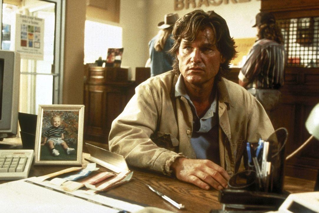 Wo ist Amy? Verzweifelt schaltet Jeff (Kurt Russell, vorne) die Polizei ein ... - Bildquelle: Paramount Pictures