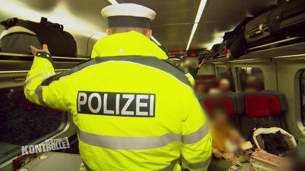 Achtung Kontrolle - Achtung Kontrolle! - Thema U.a.: Sechs Fahrgäste Und Alle Ohne Die Notwendigen Dokumente - Bundespolizei Flensburg
