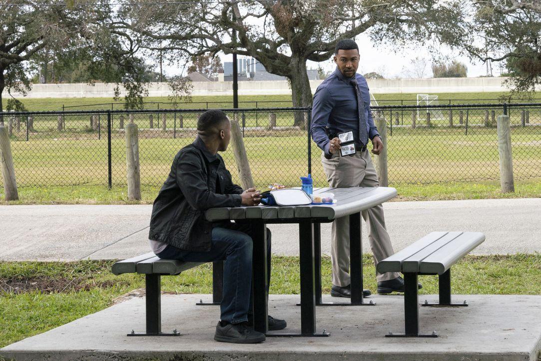 Angelo Coleman (Jared Gray, l.); Quentin Carter (Charles Michael Davis, r.) - Bildquelle: Sam Lothridge 2020 CBS Broadcasting, Inc. All Rights Reserved. / Sam Lothridge