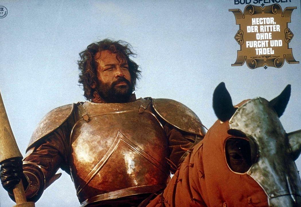 1504 in Apulien - auf italienischem Boden tobt der Krieg zwischen den Franzosen und den Spaniern. Ritter Hector (Bud Spencer) steht den unterlegenen...
