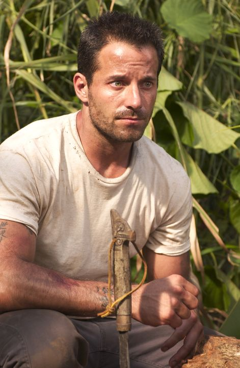 "Für eine horrende Summe chartert die Expedition das verfallene Boot von Bill ""Yin Sun"" Johnson (Johnny Messner), der als Einziger bereit ist, sie wä... - Bildquelle: Sony Pictures Television International. All Rights Reserved."