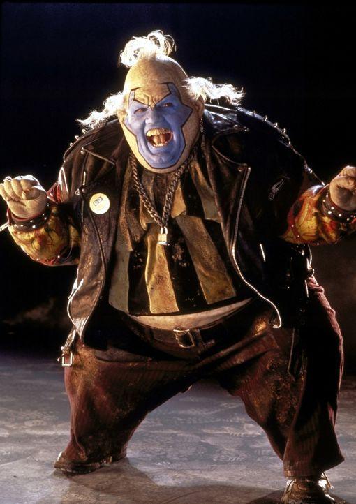 Satans Gesandter, der hinterlistige Clown (John Leguizamo), soll dafür sorgen, dass Spawn seinen Vertrag mit der Hölle erfüllt ... - Bildquelle: New Line Cinema