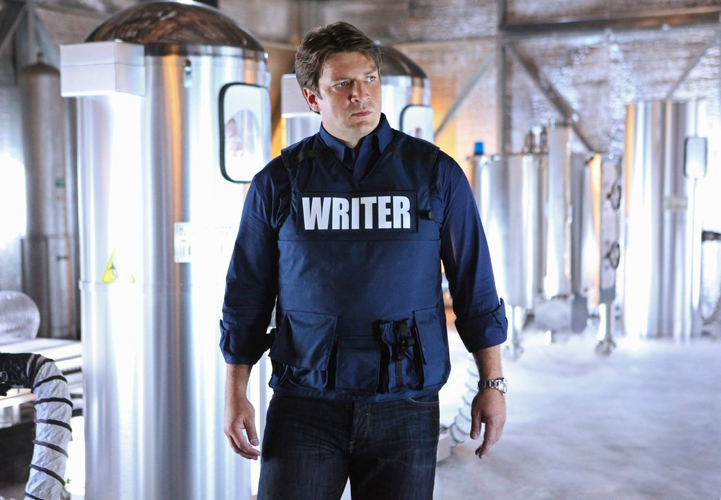 Hilft bei den Ermittlungen in einem äußerst skurrilen Fall: Richard Castle (Nathan Fillion) - Bildquelle: 2011 American Broadcasting Companies, Inc. All rights reserved.