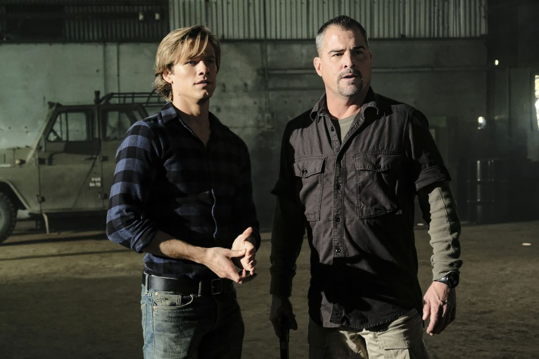 MacGyver (Lucas Till, l.); Jack Dalton (George Eads, r.) - Bildquelle: Guy D'Alema 2018 CBS Broadcasting, Inc. All Rights Reserved / Guy D'Alema