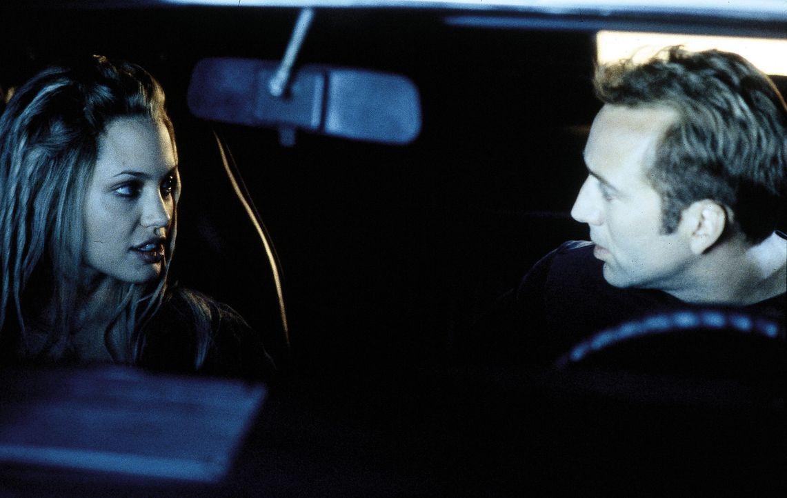 Eigentlich im Ruhestand, doch nun müssen Memphis (Nicolas Cage, r.) und Sara (Angelina Jolie, l.) in nur 72 Stunden 50 Nobelkarossen stehlen, um Me... - Bildquelle: Touchstone Pictures