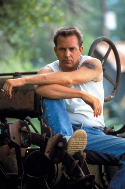 Im Jahr 1963 rückt der Berufsverbrecher Butch Haynes(Kevin Costner) aus dem Gefängnis aus, hinterlässt den Cops die Leiche seines Ausbrecherkollegen... - Bildquelle: Warner Brothers International Television Distribution Inc.