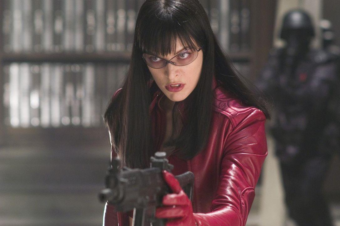 Da Violet Song (Milla Jovovich) ebenfalls von dem genmanipulierten Virus befallen wurde, zwingt die Regierung sie, ihr ungeborenes Kind abzutreiben.... - Bildquelle: 2006 Screen Gems, Inc. All Rights Reserved.