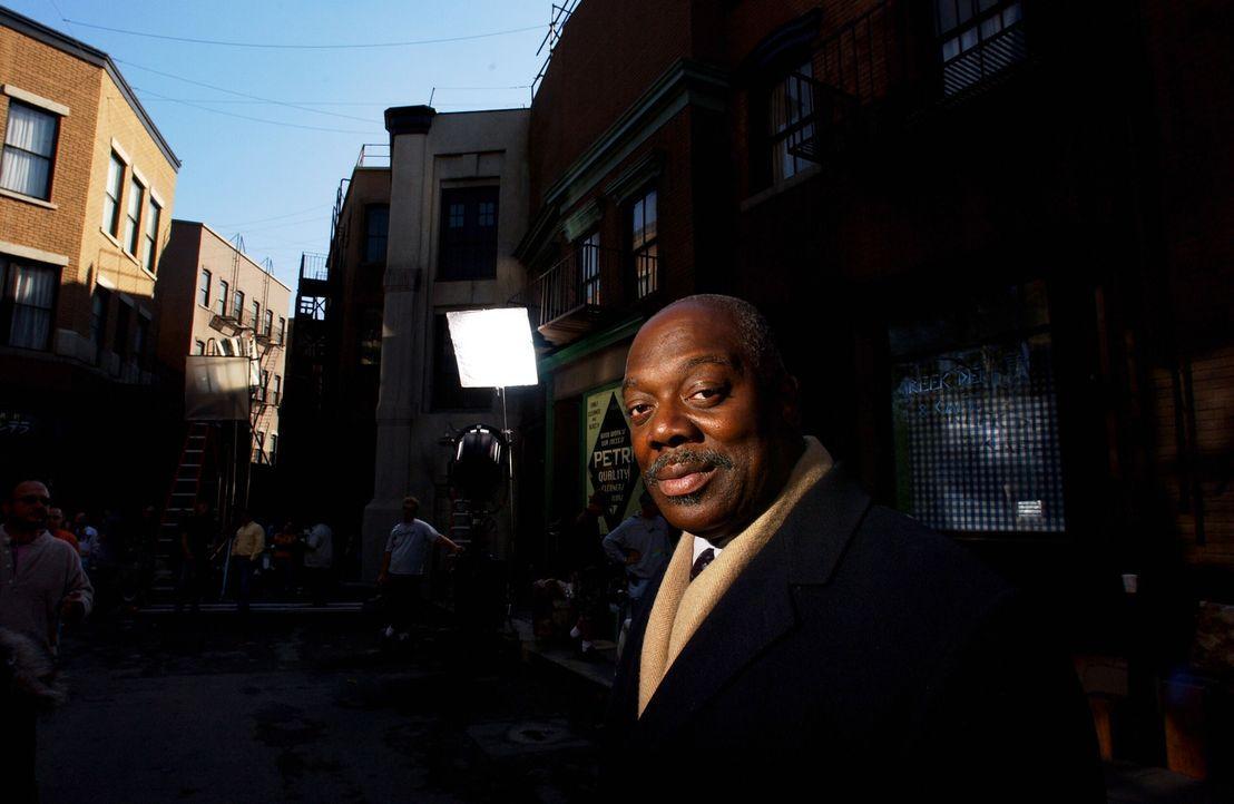 Die Ermittlungen führen Will (Thom Barry) und sein Team in die Stricherszene New Havens ... - Bildquelle: Warner Bros. Television