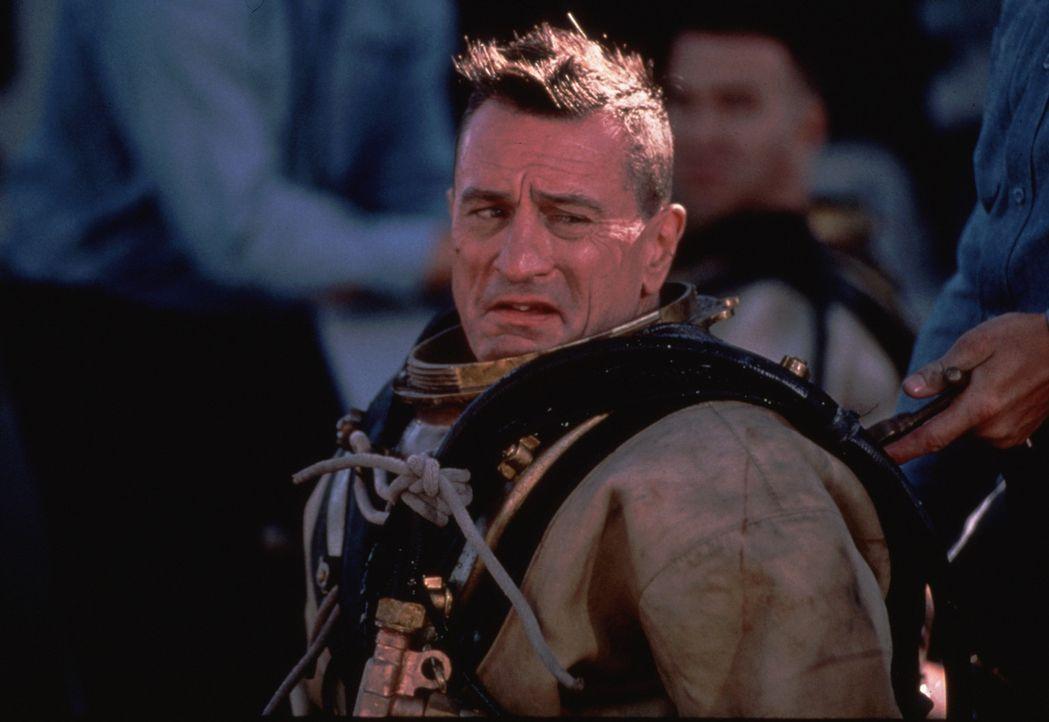 """Der frustrierte Leslie W. """"Billy"""" Sunday (Robert De Niro) lässt seinen Ärger nur zu gerne an seinen Rekruten aus ... - Bildquelle: 2000 Twentieth Century Fox Film Corporation. All rights reserved."""