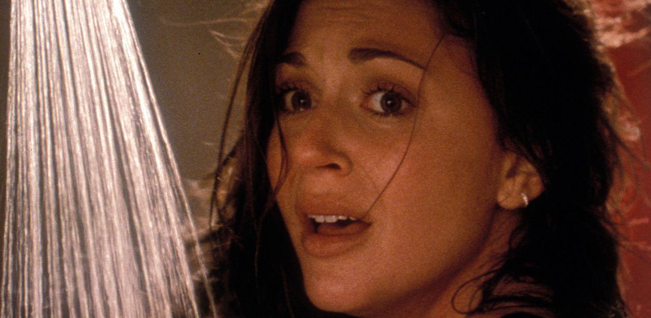 Kaum am Urlaubsort angekommen, nimmt das Grauen seinen Lauf: Marcy (Cerina Vincent) ... - Bildquelle: Tiberius Film