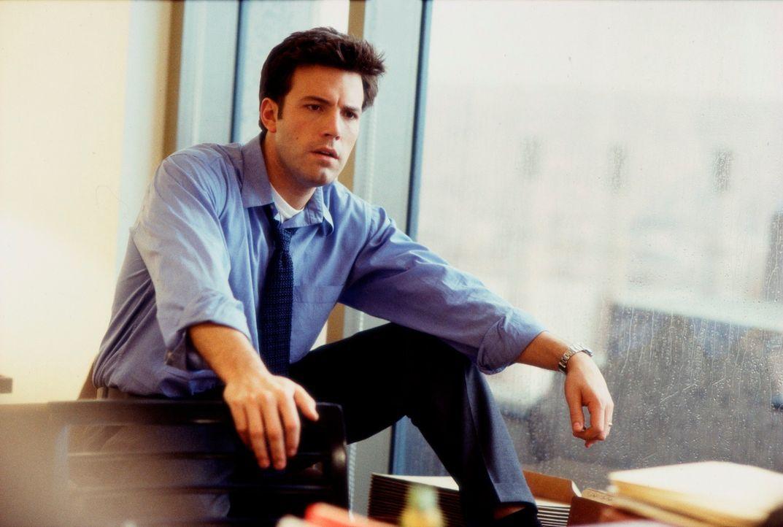 An irgendeinem Freitag in New York baut der ambitionierte Anwalt Gavin Banek (Ben Affleck) auf dem Weg ins Gericht auf dem Highway beim Spurwechsel... - Bildquelle: Kerry Hayes TM & Copyright   2002 by Paramount Pictures. All Rights Reserved.