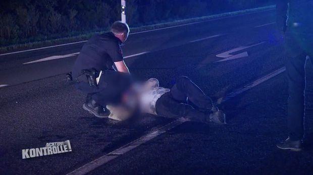 Achtung Kontrolle - Achtung Kontrolle! - Thema U.a.: Mann Liegt Betrunken Auf Der Straße - Polizei Osnabrück