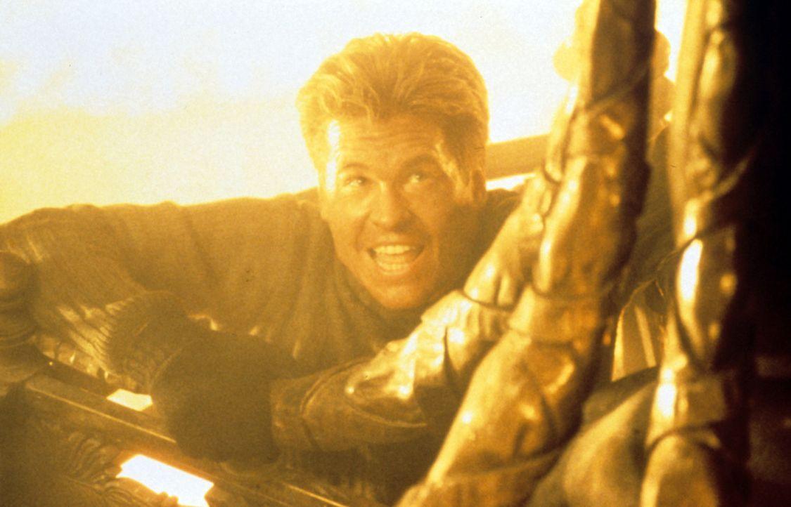 Der Meisterdieb Simon Templar (Val Kilmer) verfügt über ein besonderes Talent für Magie und Illusion ... - Bildquelle: Paramount Pictures