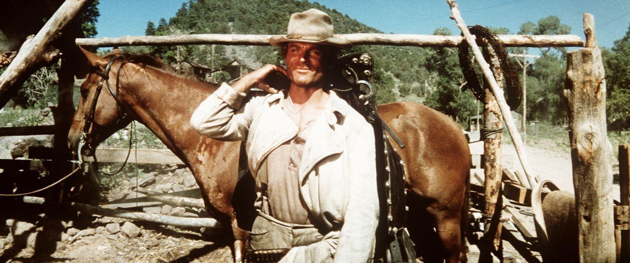 Nomen est Omen: Der völlig unbekannte 'Nobody' (Terence Hill) ist, was kaum jemand weiß, ein außerordentlich guter Schütze ... - Bildquelle: Universal Pictures