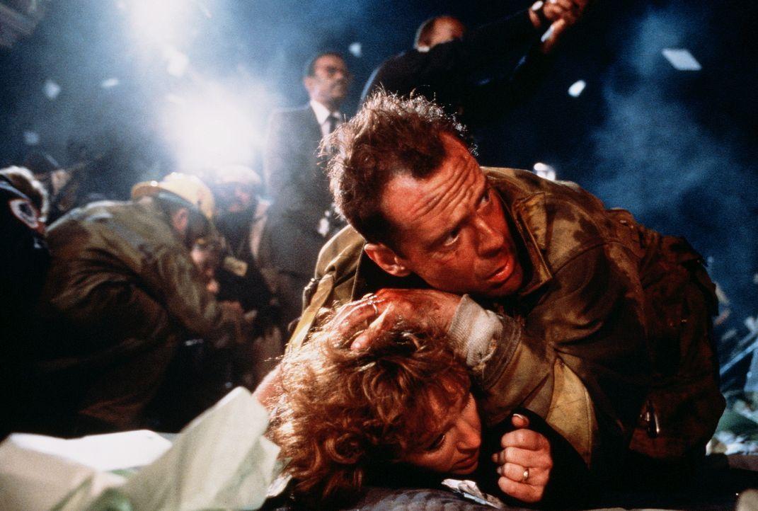 Führen alles andere als eine harmonische Ehe: John McClane (Bruce Willis, oben) und seine Frau Holly (Bonnie Bedelia, unten) ... - Bildquelle: 20th Century Fox