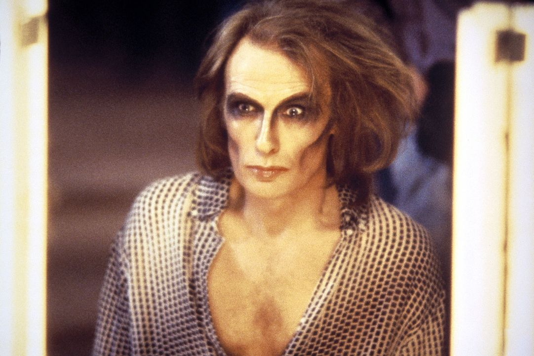 'Wir machen Rock'n Roll und nicht das Phantom der Oper!' Dieser Vorwurf trifft den alternden Glam-Rocker Ray (Bill Nighy) hart ... - Bildquelle: Columbia Pictures