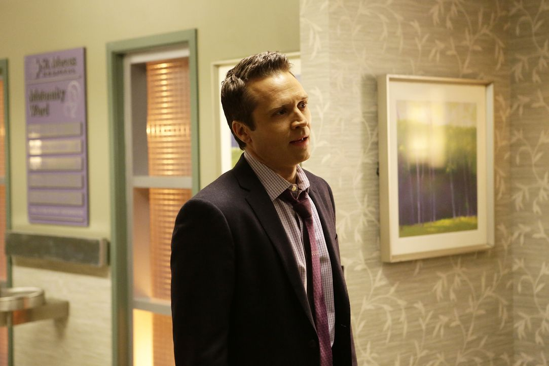 Während Ryan (Seamus Dever) die Geburt seines Kindes kaum erwarten kann, ermitteln er und der Rest von Becketts Team in einem Fall, bei dem ein Grab... - Bildquelle: Nicole Wilder 2016 American Broadcasting Companies, Inc. All rights reserved.
