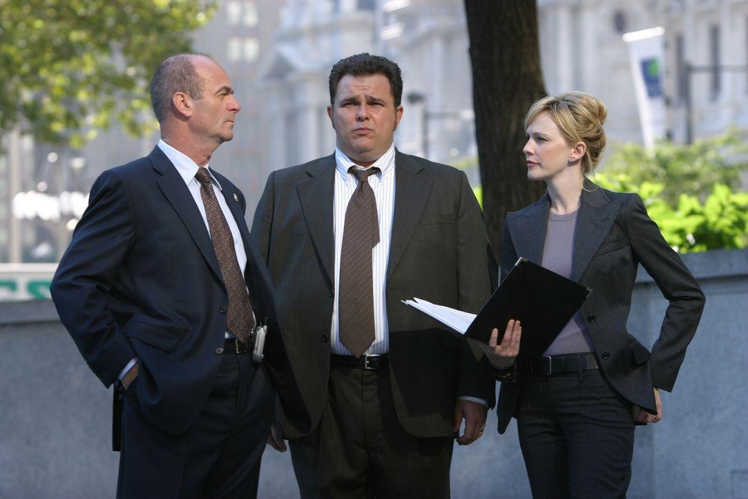 Auf der Suche nach Beweisen: John (John Finn, l.), Nick (Jeremy Ratchford, M.) und Lilly (Kathryn Morris, r.) ... - Bildquelle: Warner Bros. Television