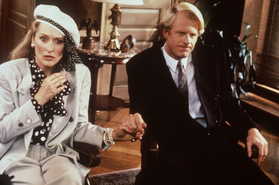 Die verlassene Ruth entwickelt eine teuflische Genialität, um sich an ihrem Ex-Mann Bob (Ed Begley jr., r.) und seiner neuen Flamme, der extravagan... - Bildquelle: 20th Century Fox