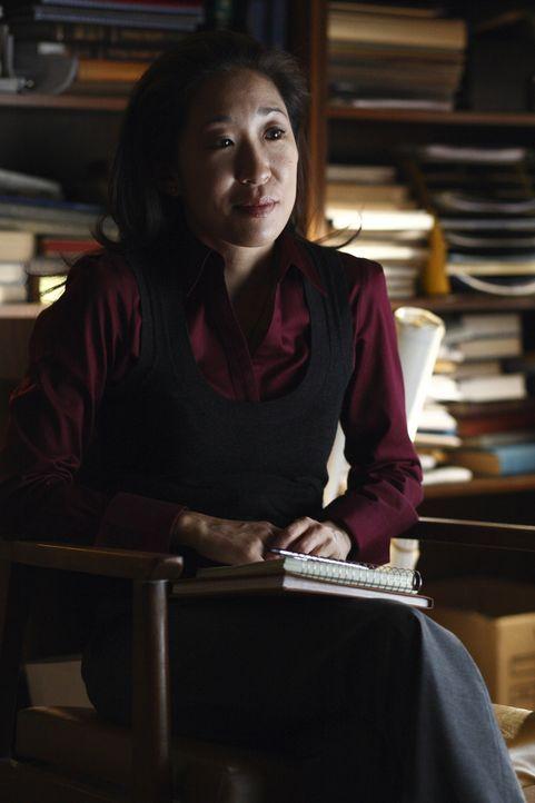 Unglücklicherweise muss Arthur die gerichtlich bestellte Psychiaterin Dr. Park (Sandra Oh) davon überzeugen, dass er keinen an der Klatsche hat. Und... - Bildquelle: 2009 Darius Films Inc. All Rights Reserved.