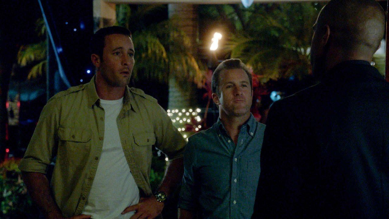 Bei einer Halloween-Party werden Max und noch ein paar weitere Leute von einem Mann angegriffen, der sich wie ein Zombie benimmt. Das Team um Steve... - Bildquelle: 2013 CBS BROADCASTING INC. All Rights Reserved.