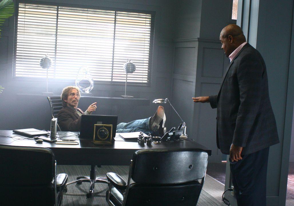 Der mysteriöse Privatdetektiv Christopher Chance bietet seine Dienste als Bodyguard und Lebensretter der Extraklasse an. Dabei wird er vom ehemalige... - Bildquelle: Warner Bros.