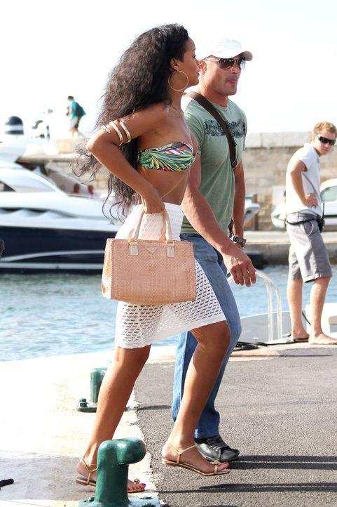 Stars-Urlaub-Rihanna-12-07-23-Visual-WENN-com - Bildquelle: Visual/WENN.com